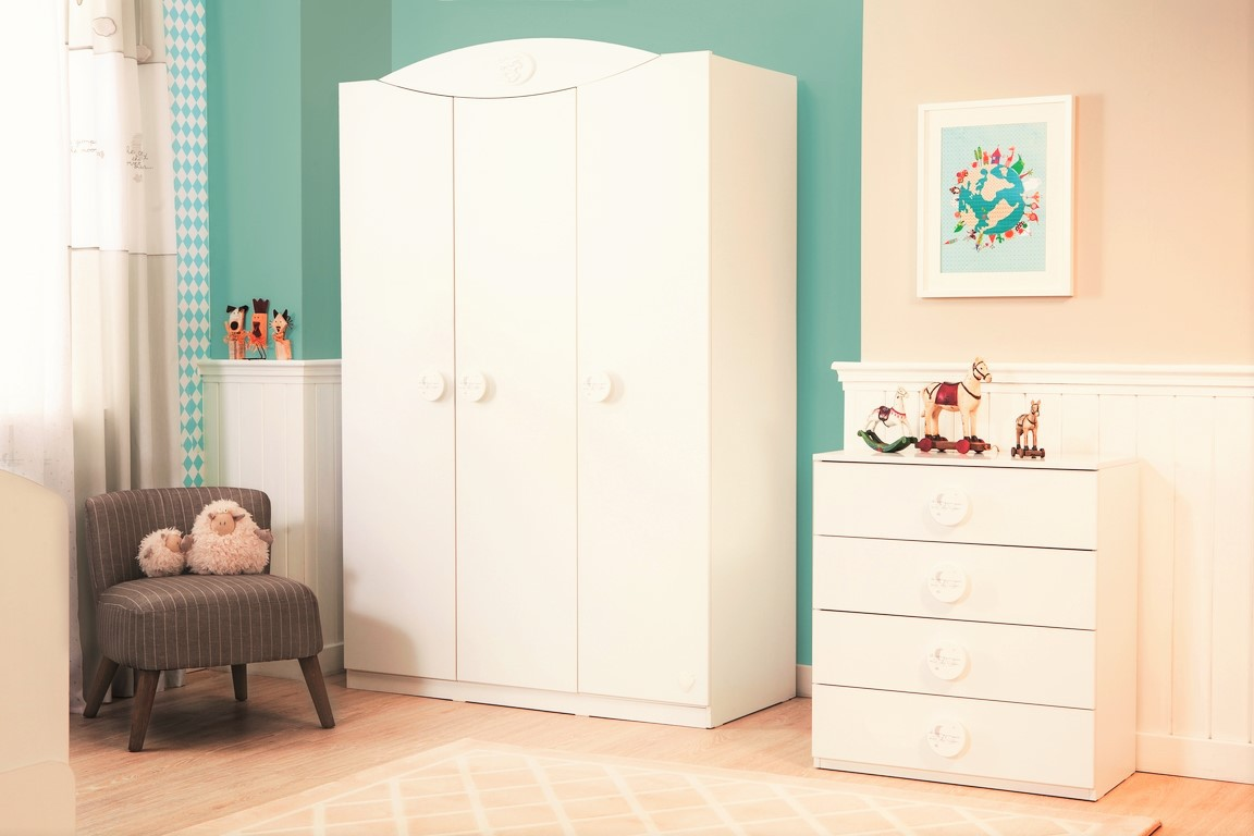 Peuter Slaapkamer Meubels : Sachsa baby kledingkast 3 deurs ...
