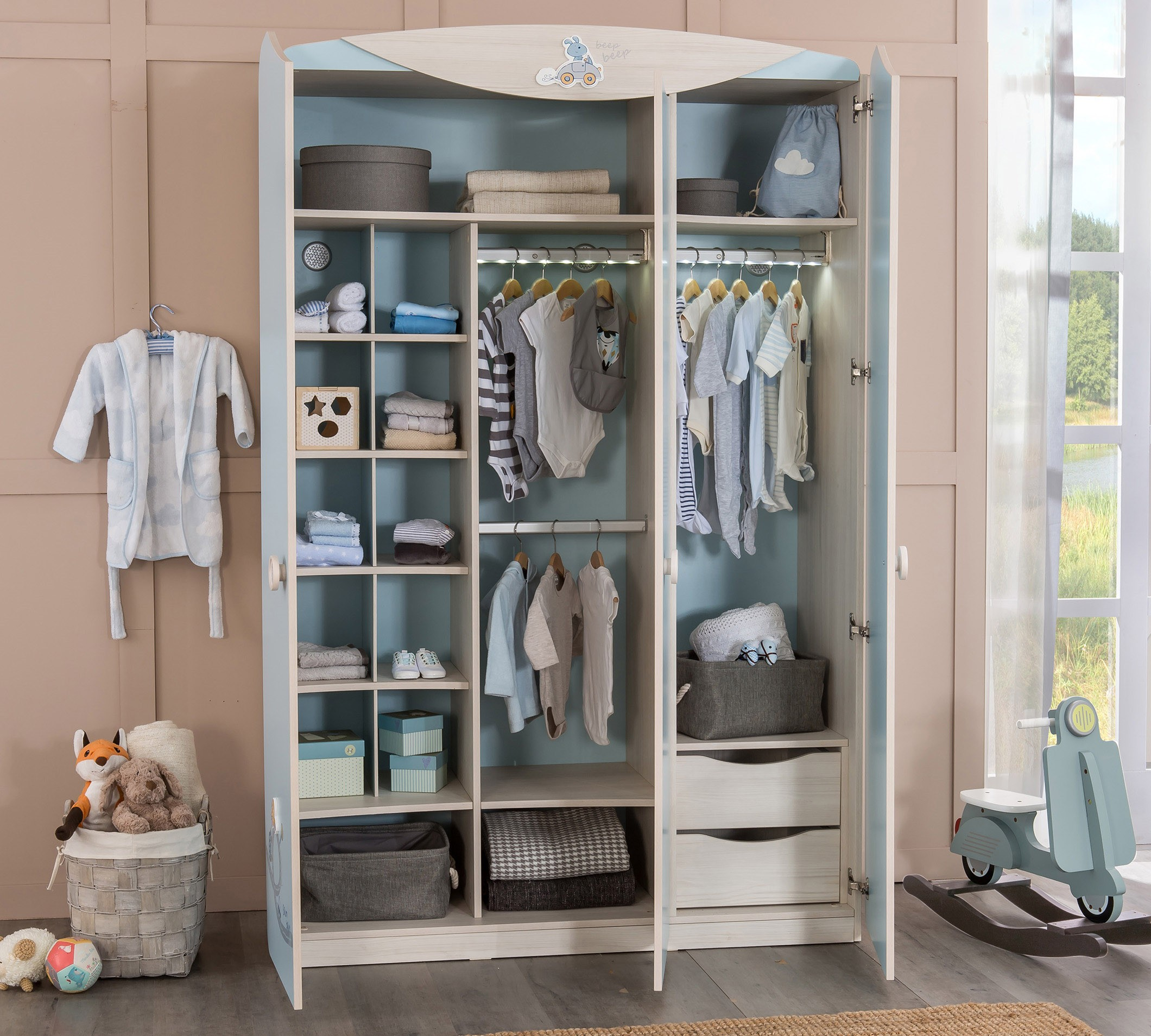 babykamer blauw kledingkast 3 deurs jongens kinderkamer kinderbed terrashaard en barbecues. Black Bedroom Furniture Sets. Home Design Ideas