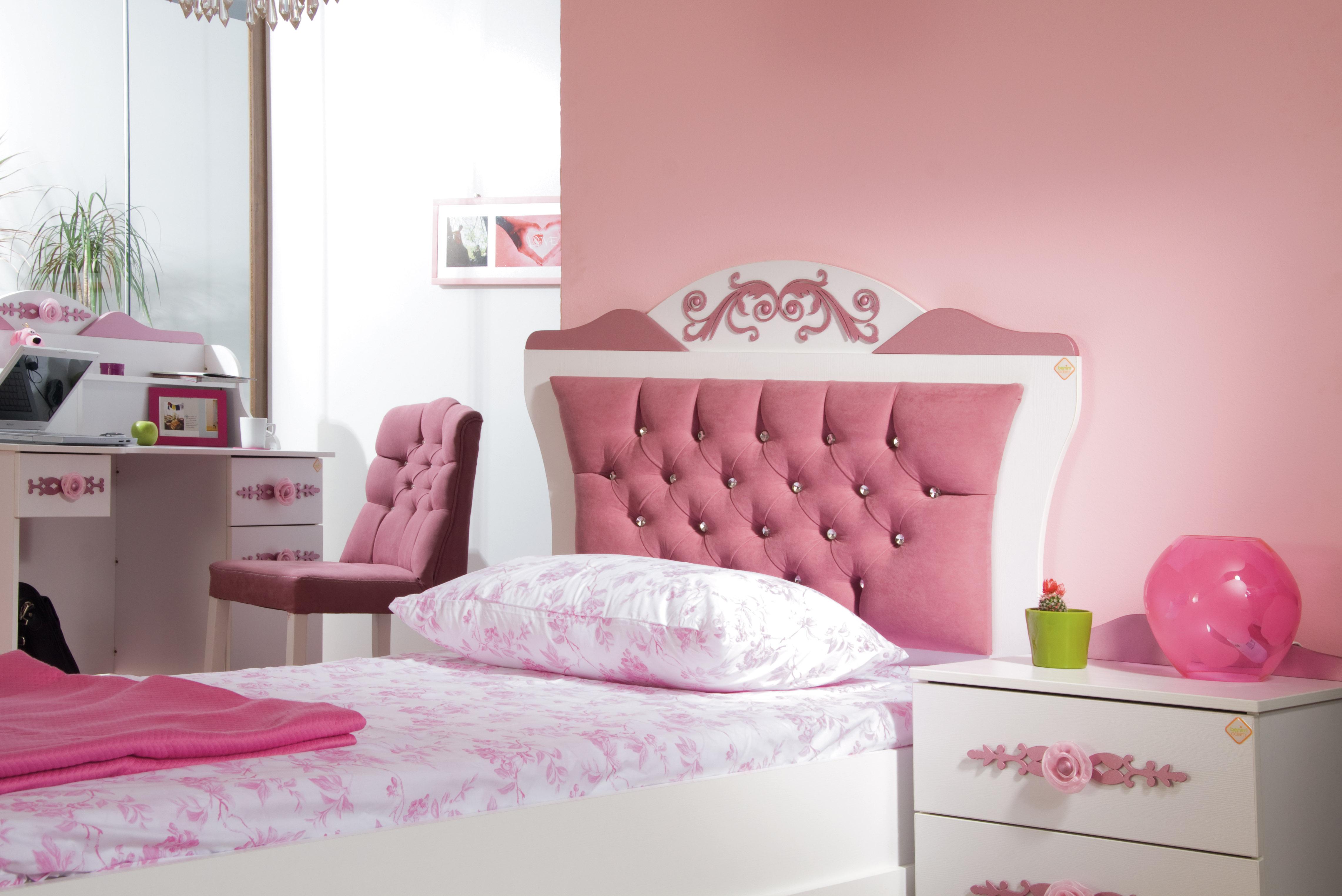 Pretty_roze_meisjesbed